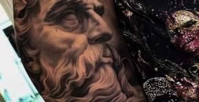 Tatuaje estatua griega