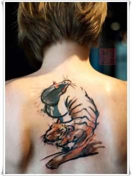Tatuaje de tigre y ratón