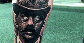 Tatuaje hombre con mostacho