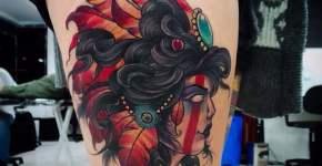 Tatuaje india en la pierna