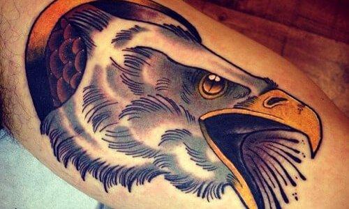Tatuaje cabeza de águila