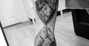 Tatuaje reloz de arena roto