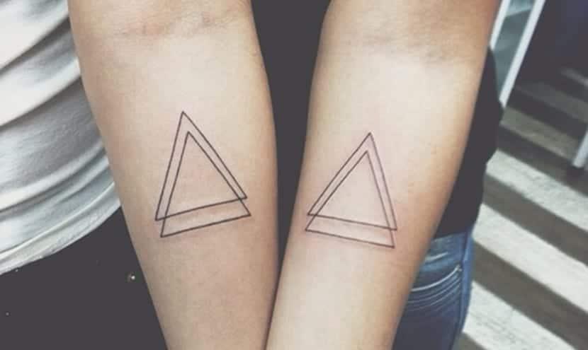 Tatuajes De Triángulos La Moda De La Geometría