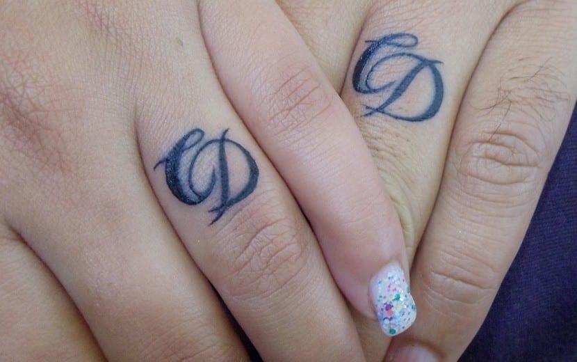 Los Tatuajes De Iniciales De Nombres