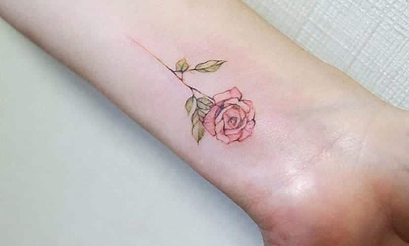 Tatuajes De Rosas Y Su Significado Un Símbolo De Amor