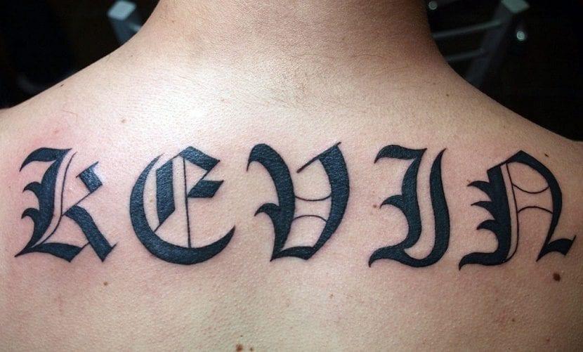 Tatuajes De Letras Góticas