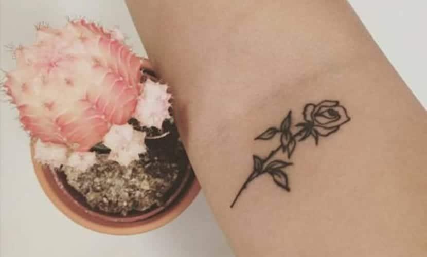 Tatuajes Pequeños De Flores Para Mujeres Recopilación E Ideas