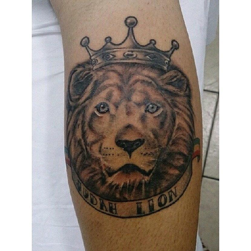 Tatuajes De Leones Con Corona El Rey De La Jungla