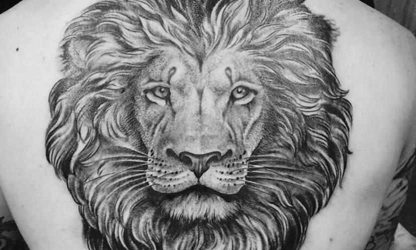Tatuajes De Leones En La Espalda Recopilación De Diseños