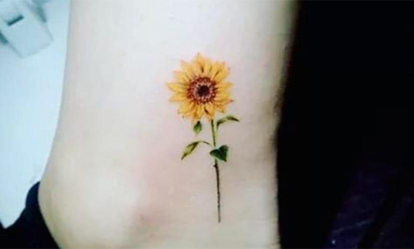 Tatuajes Pequeños De Girasoles Recopilación De Diseños