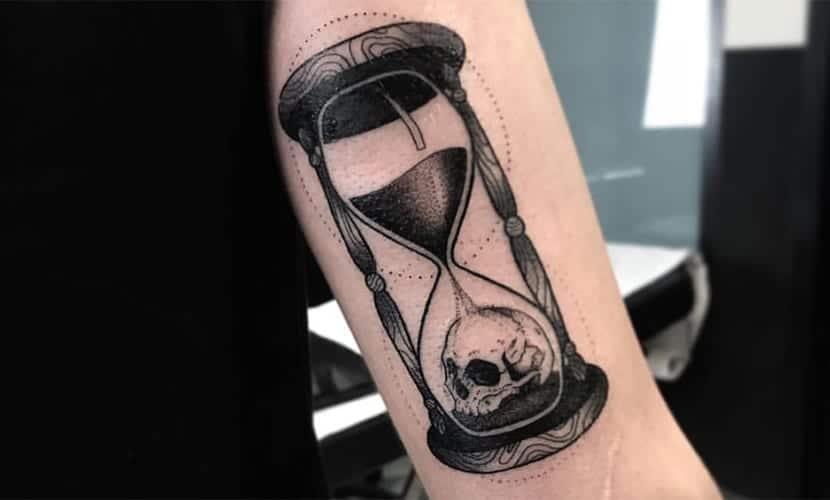 Tatuajes De Relojes De Arena Recopilación De Diseños Curiosos