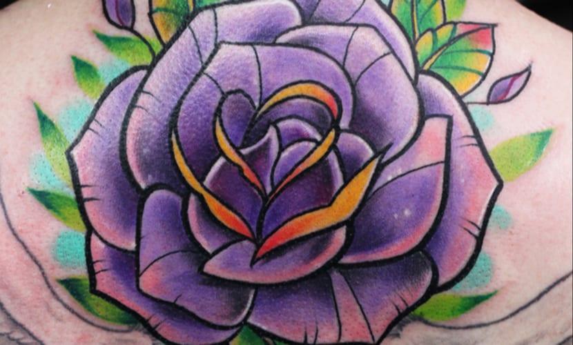 Tatuajes De Rosas Moradas Old School Qué Significan