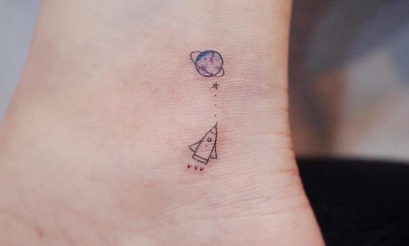 Tatuajes Pequeños De Planetas Recopilación De Diseños