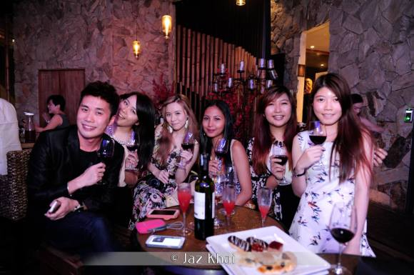 the roof malaysia, signature, malaysia bloggers, nuffnang bloggers,