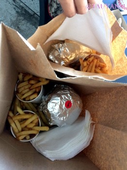 five guys, dubai blogger