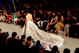 arab fashion week, michael cinco, dubai blogger,