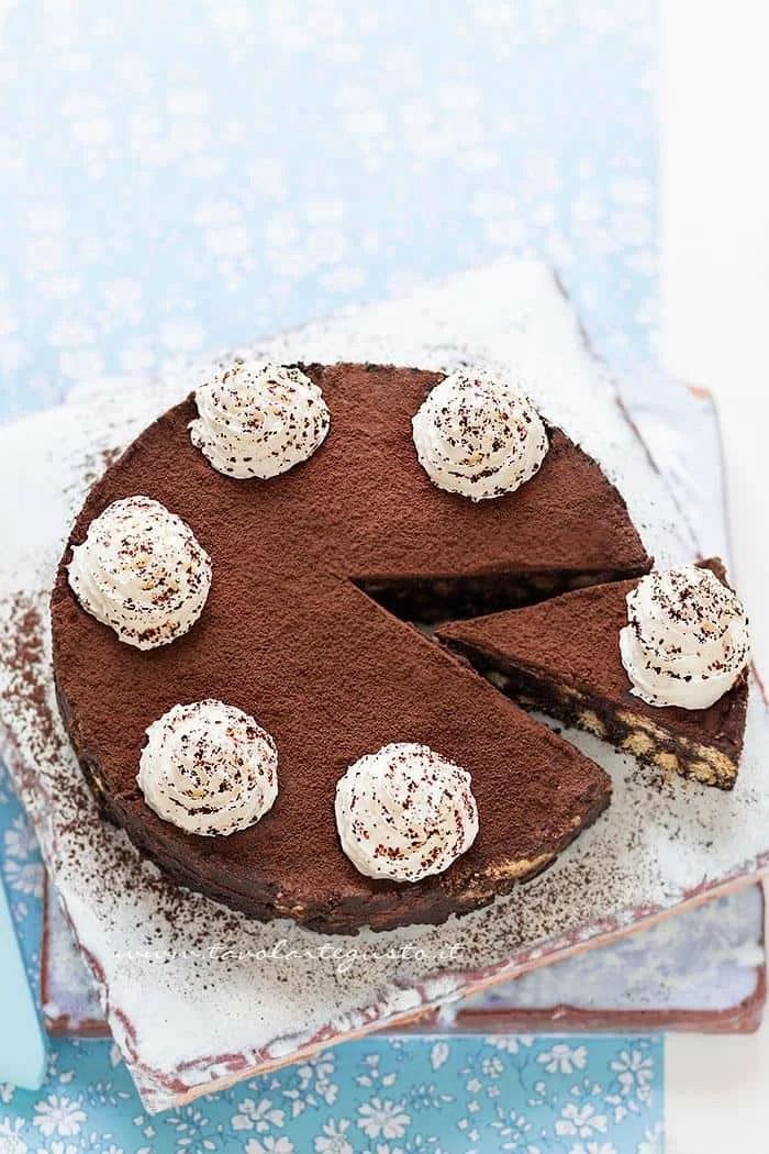Torta Di Biscotti Al Cioccolato Fredda E Senza Cottura