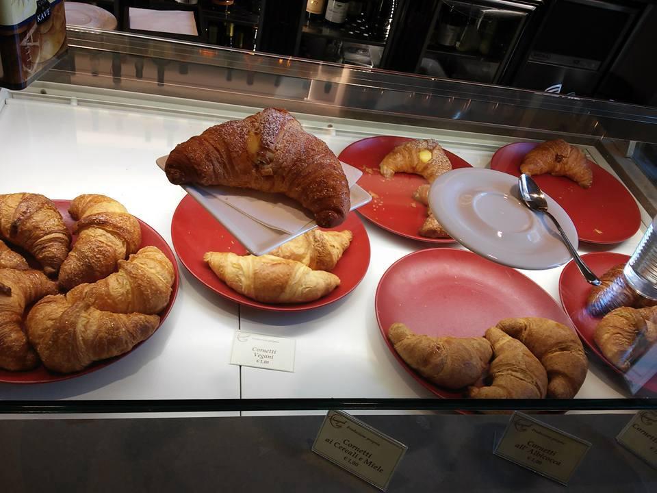 hangout_cafe_colazione