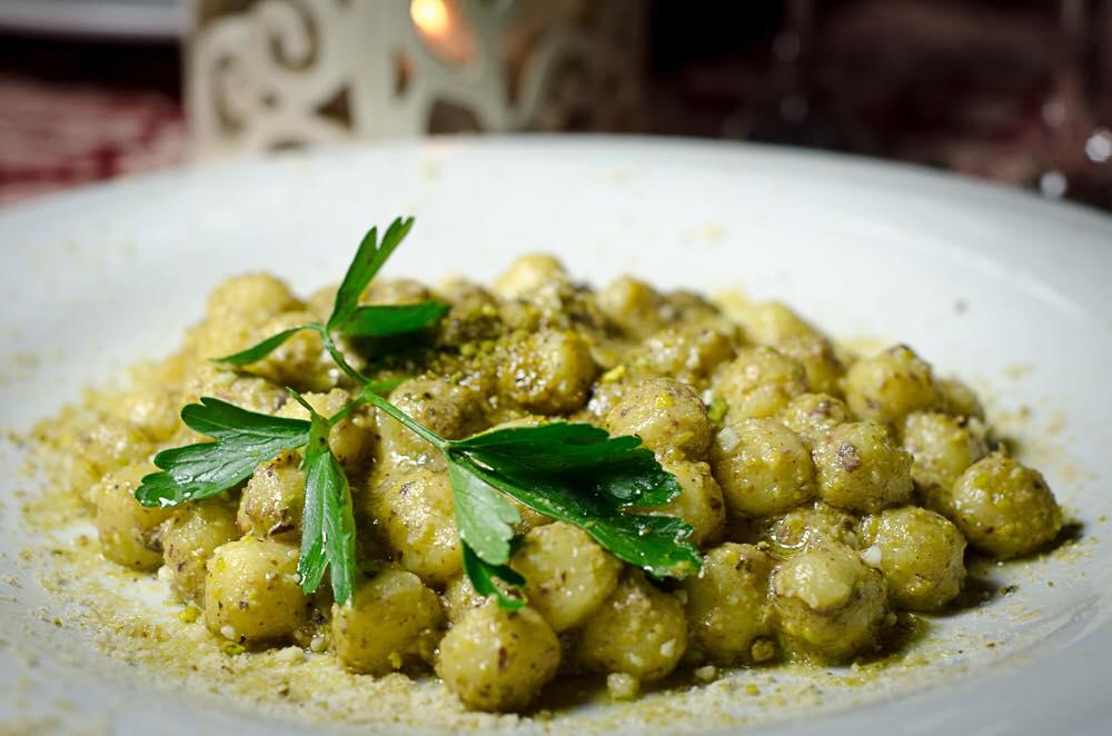 Le Bistrot Garbatella - Chicche di patate al pesto di pistacchi