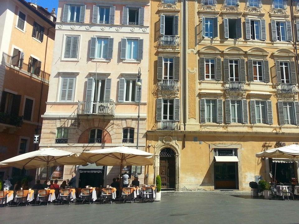 ciampini-esterno-piazza