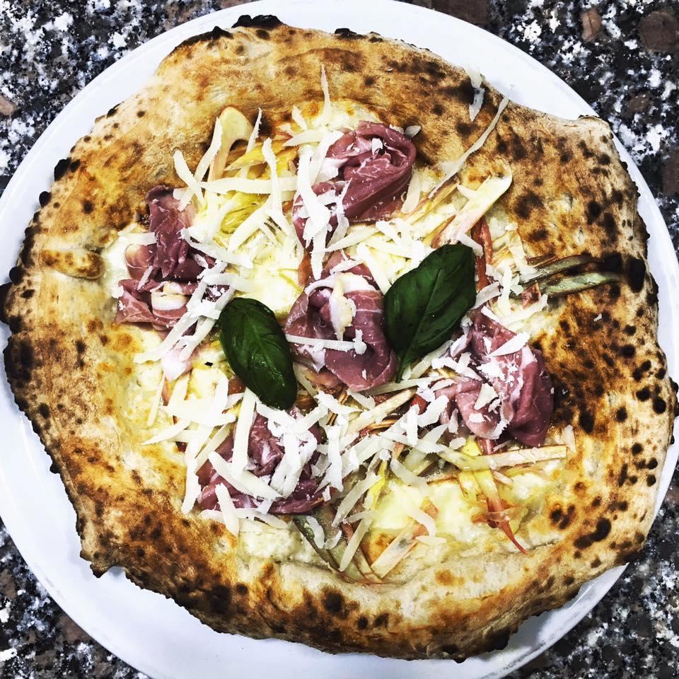 Tavolini Di Marmo Trastevere : Ai marmi panattoni u pizza romana a tirar tardi tavole romane