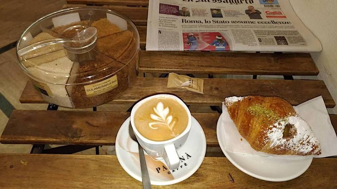 Bar Due Fontane - cappuccino e cornetto
