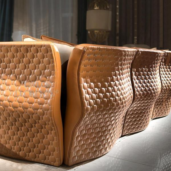 Luxury Leather Sofa - Quilted Upholstery Taylor Llorente