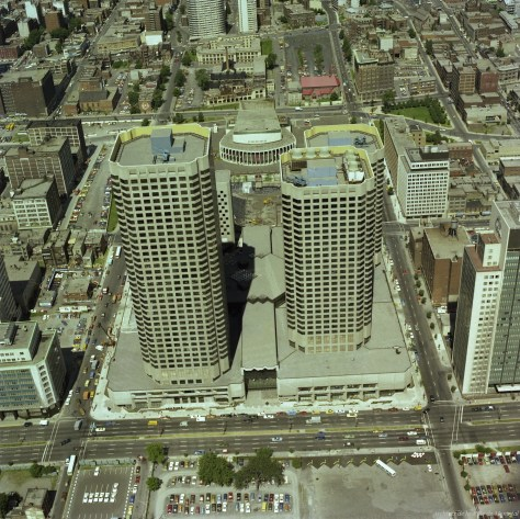Finishing touches to Complexe Desjardins, 1976. Dufferin Square had become the parking lot at bottom centre.