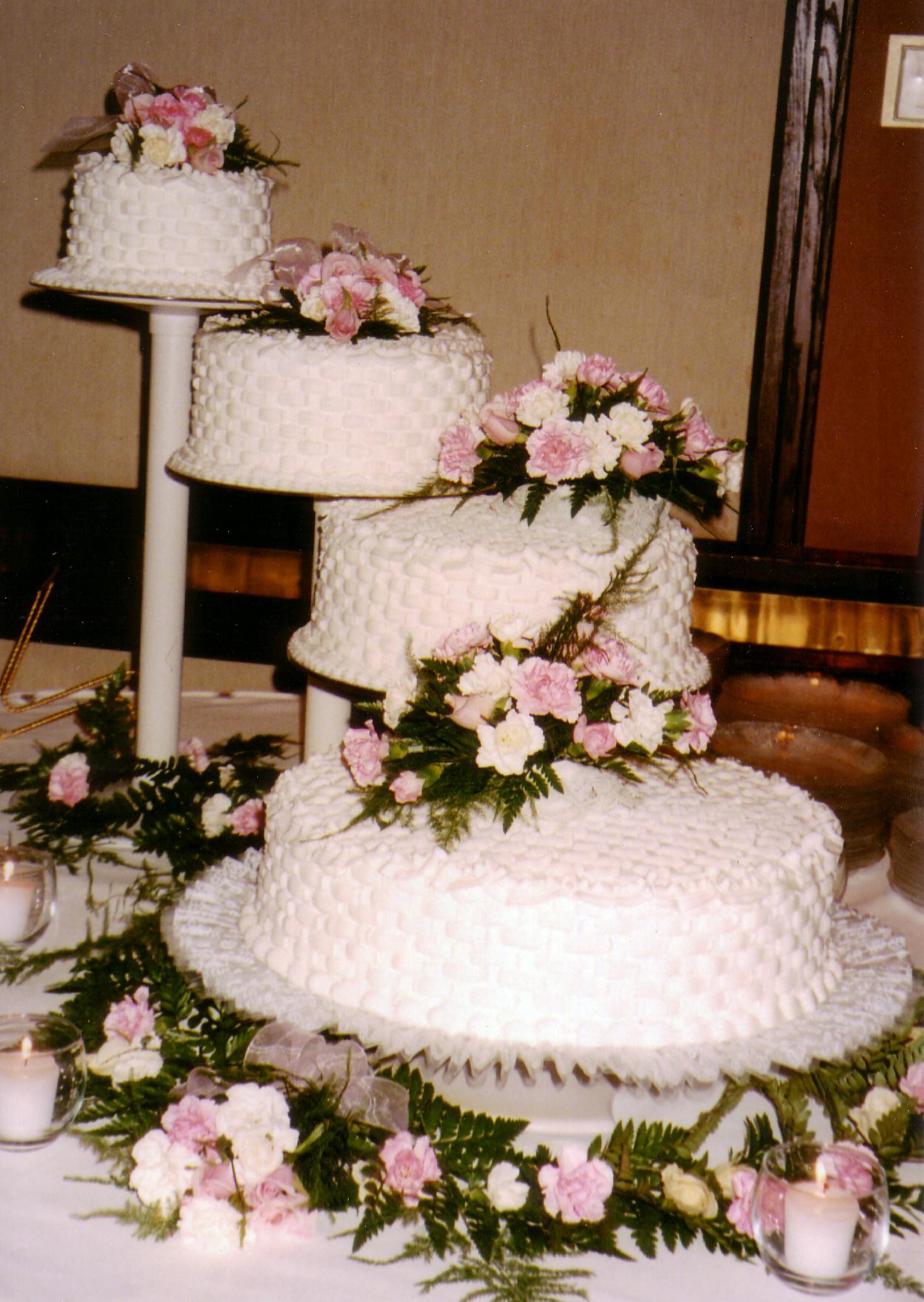 Spiral Wedding Cakes  Taylors Bakery