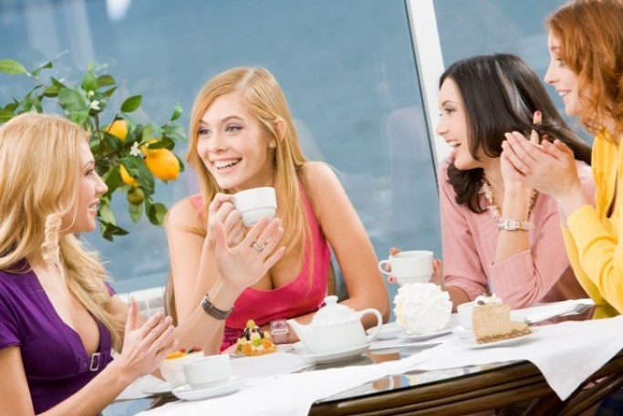 Eat lunch with the ladies