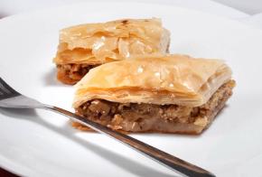 taza-grill-east-lyme-baklawa