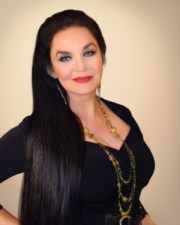 Crystal Gayle Tops Pinellas Park Lineup