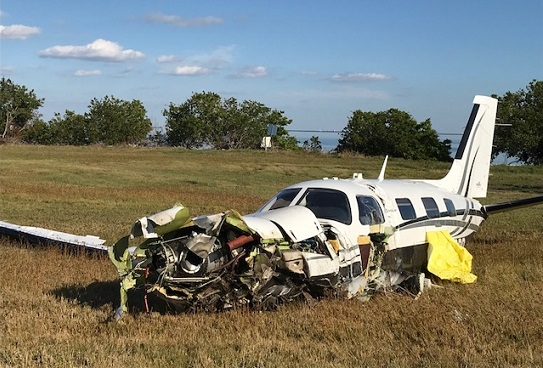 Small plane crashes at PIE, pilot injured