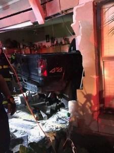 Hills House Crash | Hillsborough Fire Rescue | Traffic Crash
