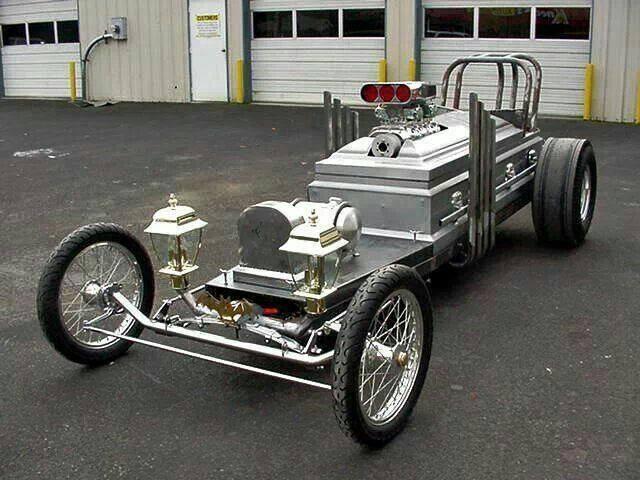 Drag-U-La Coffin Cars Casket Car (58)