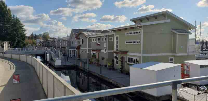 float homes along the marina docks