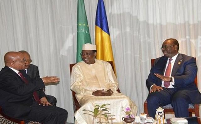 Le Président en exercice de l'Union africaine Idriss Déby a convoqué aussitôt après son arrivée, une rencontre tripartite des pays africains présents à Hangzhou pour prendre part au Sommet du G20 qui s'ouvre ce 04 septembre. C'est dans l'optique d'adopter une position africaine commune.