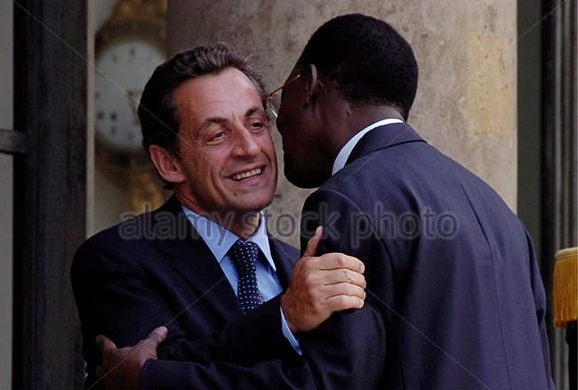 Entre Idriss Déby et Nicolas Sarkozy, le divorce, c'est maintenant à la veille de la primaire de la droite et du centre en France