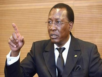 idriss-deby-en-pointant-la-corruption