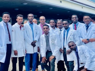 Tchad: les 131 premiers médecins formés à Cuba bientôt en service