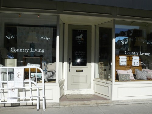 country_living_storefront