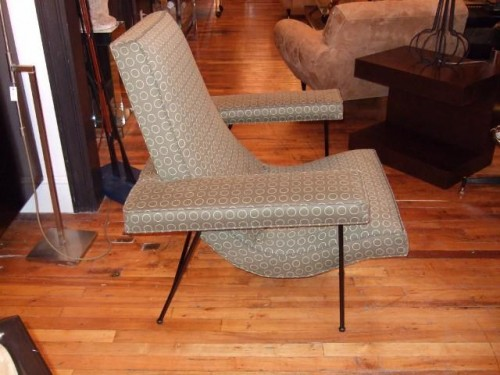 side_view_of_chair
