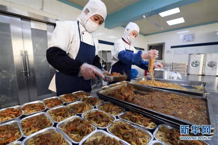 บุกหลังครัวสนามบินนานาชาติจีน!ส่องอาหารที่ใช้เสิร์ฟในเทศกาลตรุษจีน