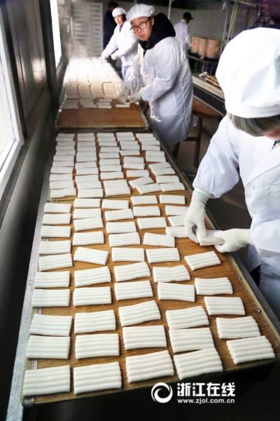 เค้กข้าวกลิ่นหอมกรุ่น เตรียมรับเทศกาลตรุษจีน