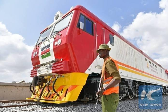 ใหม่เอี่ยม!เคนยาได้รับรถไฟจากจีนเป็นชุดที่สองแล้ว