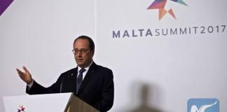 """ฝรั่งเศสเรียกร้องให้ยุโรปปฏิเสธ """"แรงกดดัน"""" จากสหรัฐอเมริกา"""