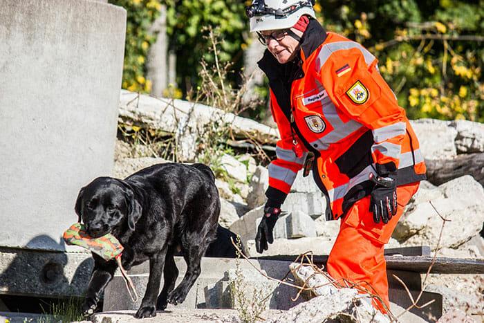 Biologische Ortung: Rettungshundearbeit im BRH Bundesverband Rettungshunde e.V.