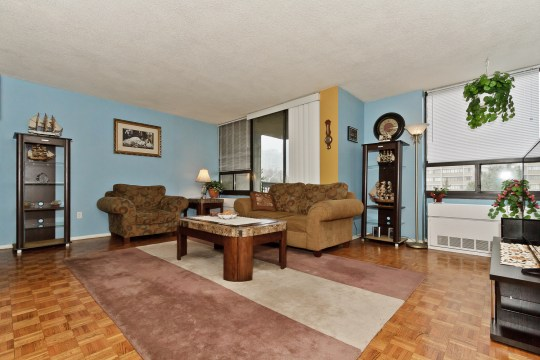 20 Mississauga Valley Blvd #502, Mississauga
