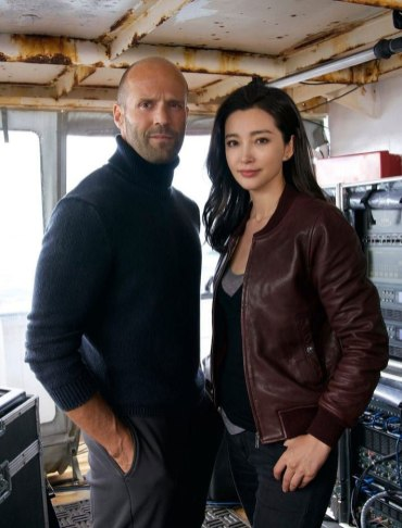 Jason Statham şi Li Bing-Bing în filmul The Meg
