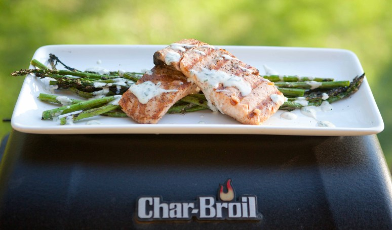 Grill with Salmon and Asparagus
